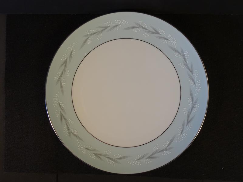 Noritake Sheldon 10.60in Coupe Dinner Plate