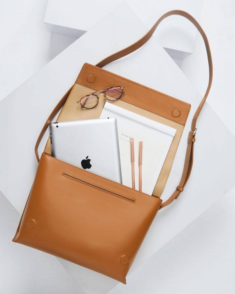Unisex Brown Leather Messenger Bag - DASH Thailand