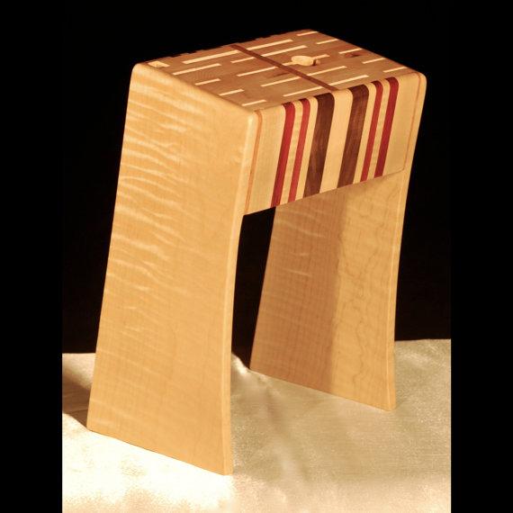 Hardwood Knife Rack. Functi...