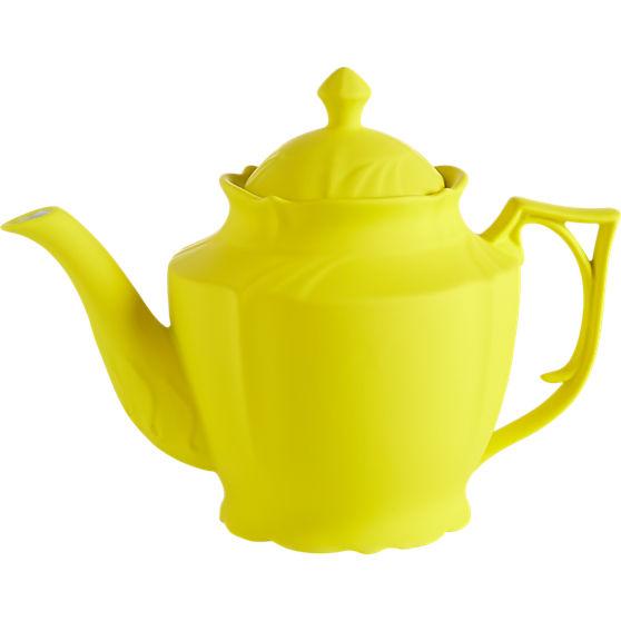 lizzy yellow teapot in drin...