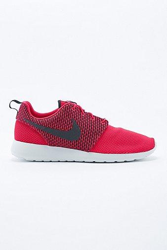 Nike Roshe Run Trainers in ...