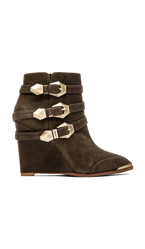 Vince Camuto Kannon Wedge i...