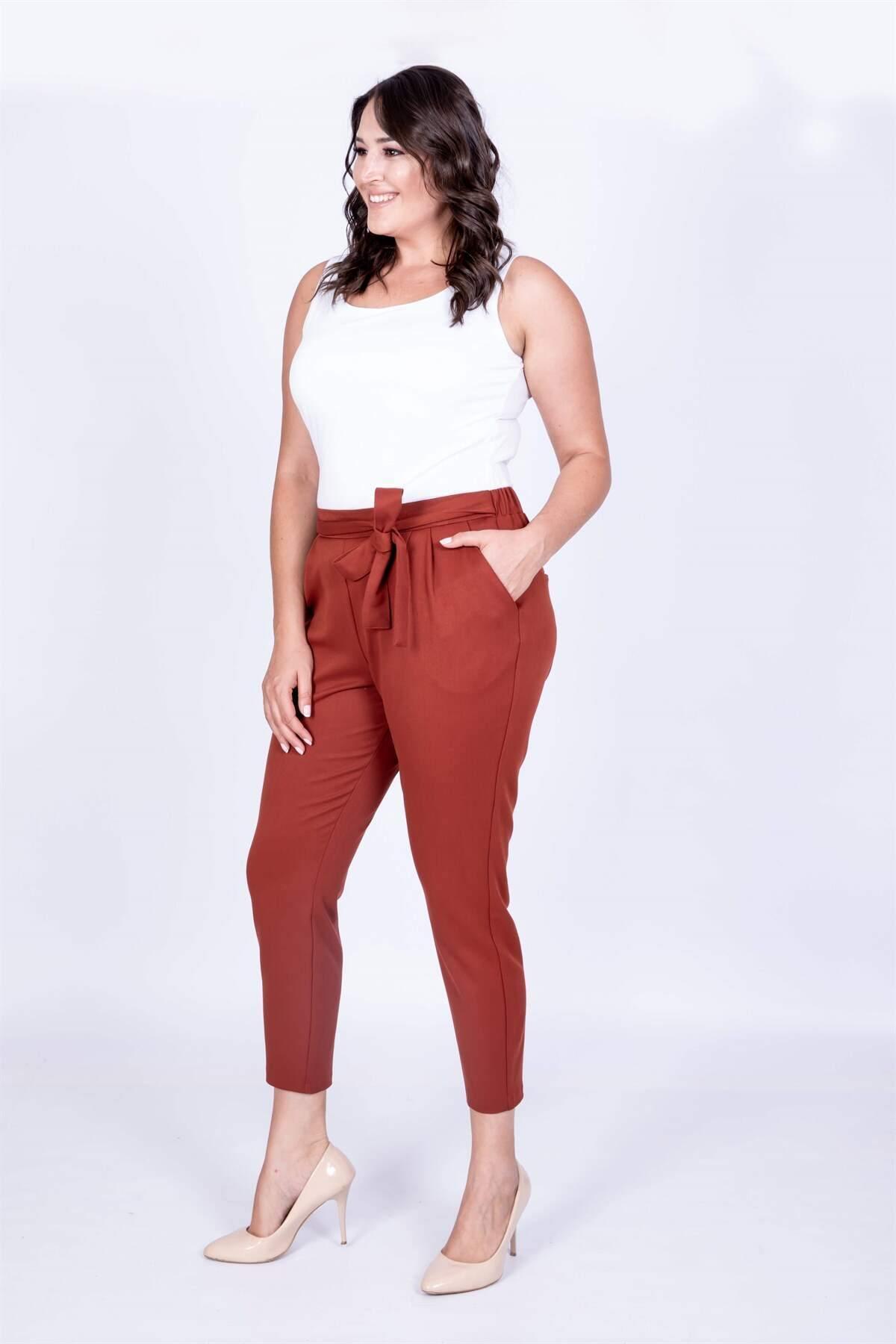 Women's Belt Detail Carrot Pants
