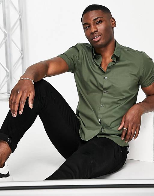 New Look short sleeve poplin shirt in dark khaki, 1 of 4
