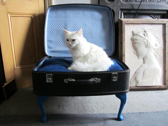 Vintage Suitcase Pet Bed