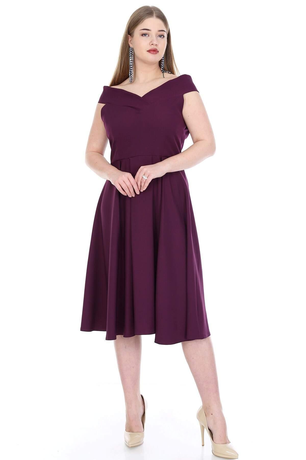 Women's Plus Size Midi Dress