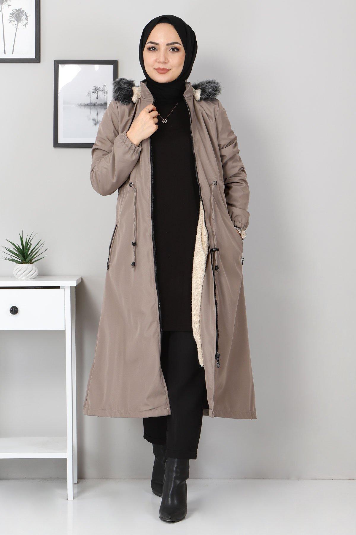 Women's Zipped Pocket Mink Coat