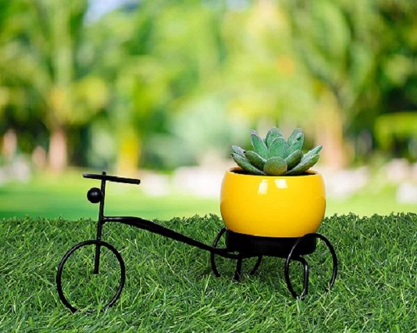 Round Metal Cycle Planter (Yellow)