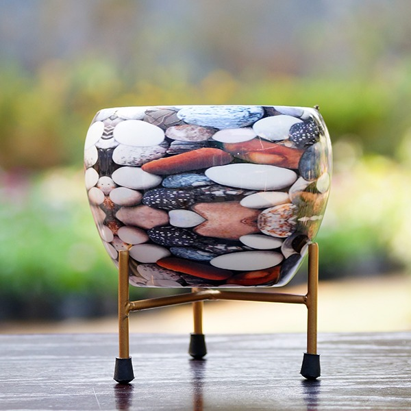 Round Metal Pot With Stand (Pebbles)