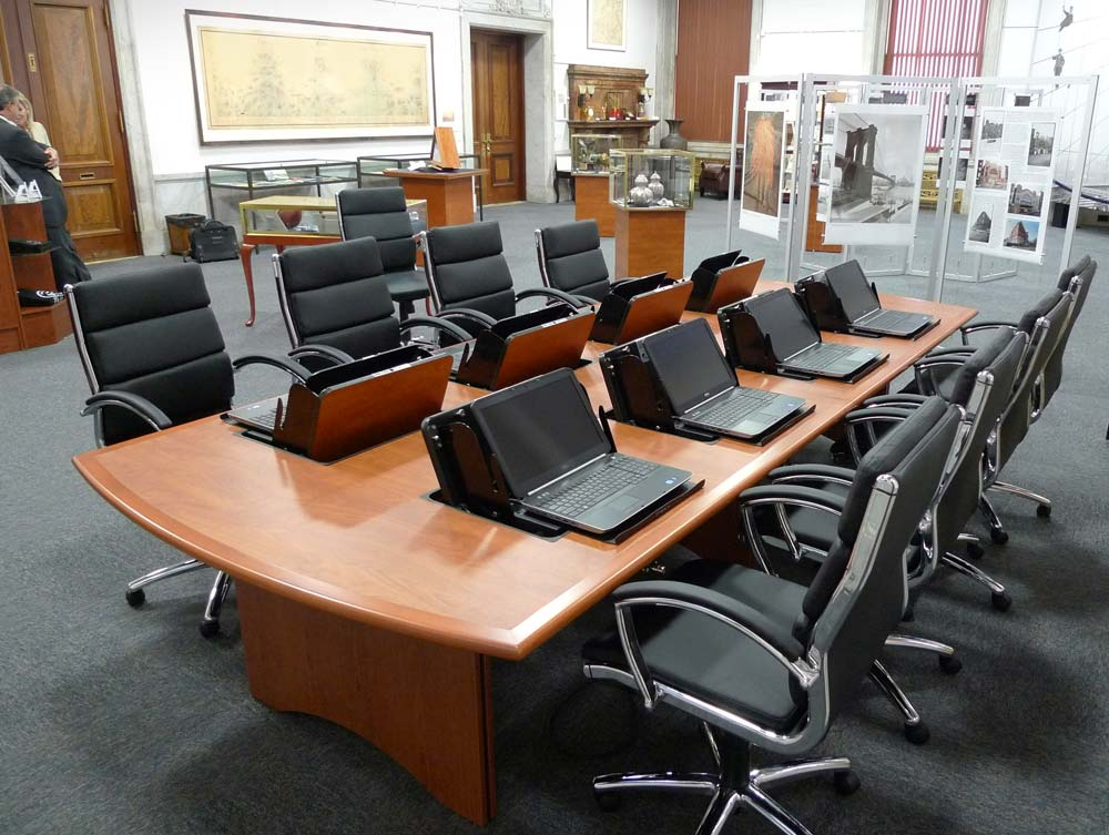 Piatto Contemporary And Traditional Conference Tables Shoplinkz - Contemporary modern conference table