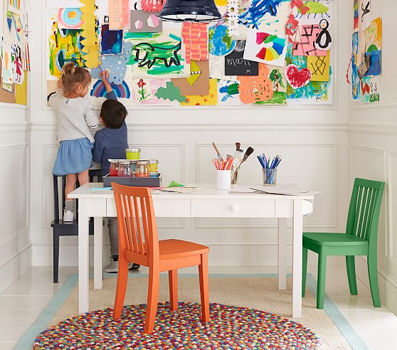Carolina Craft Play Table